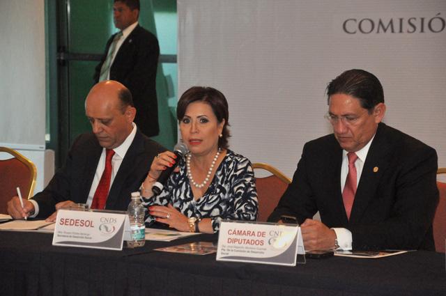 La Secretaria Rosario Robles encabeza la primera sesión extraordinaria de la Comisión Nacional de Desarrollo Social (CNDS),