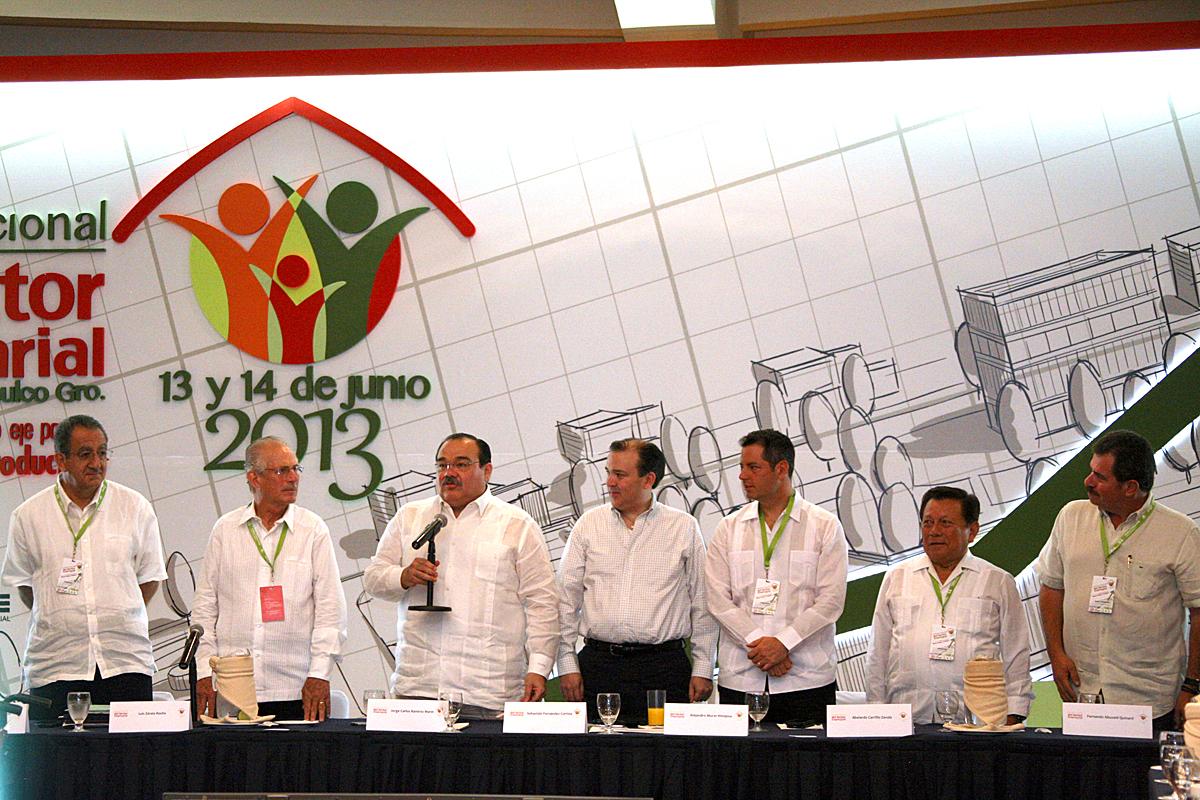 El secretario de Desarrollo, Agrario, Territorial y Urbano, Jorge Carlos Ramírez Marín al inaugurar la Reunión Nacional del Sector Empresarial del INFONAVIT.