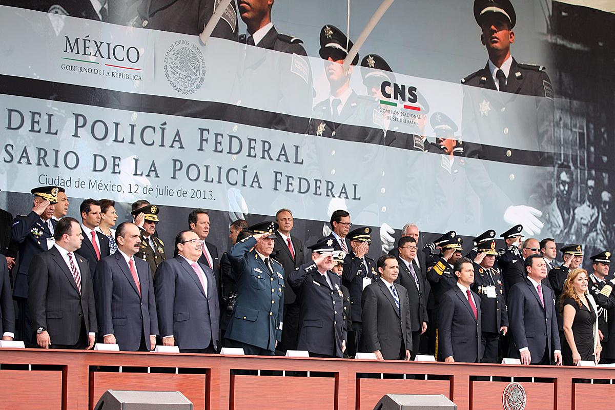 El Presidente Enrique Peña Nieto encabezó la ceremonia por el Día del Policía Federal y el 85 aniversario de esta corporación, evento al que asistió el secretario de Desarrollo Agrario, Territorial y Urbano, Jorge Carlos Ramírez Marín.
