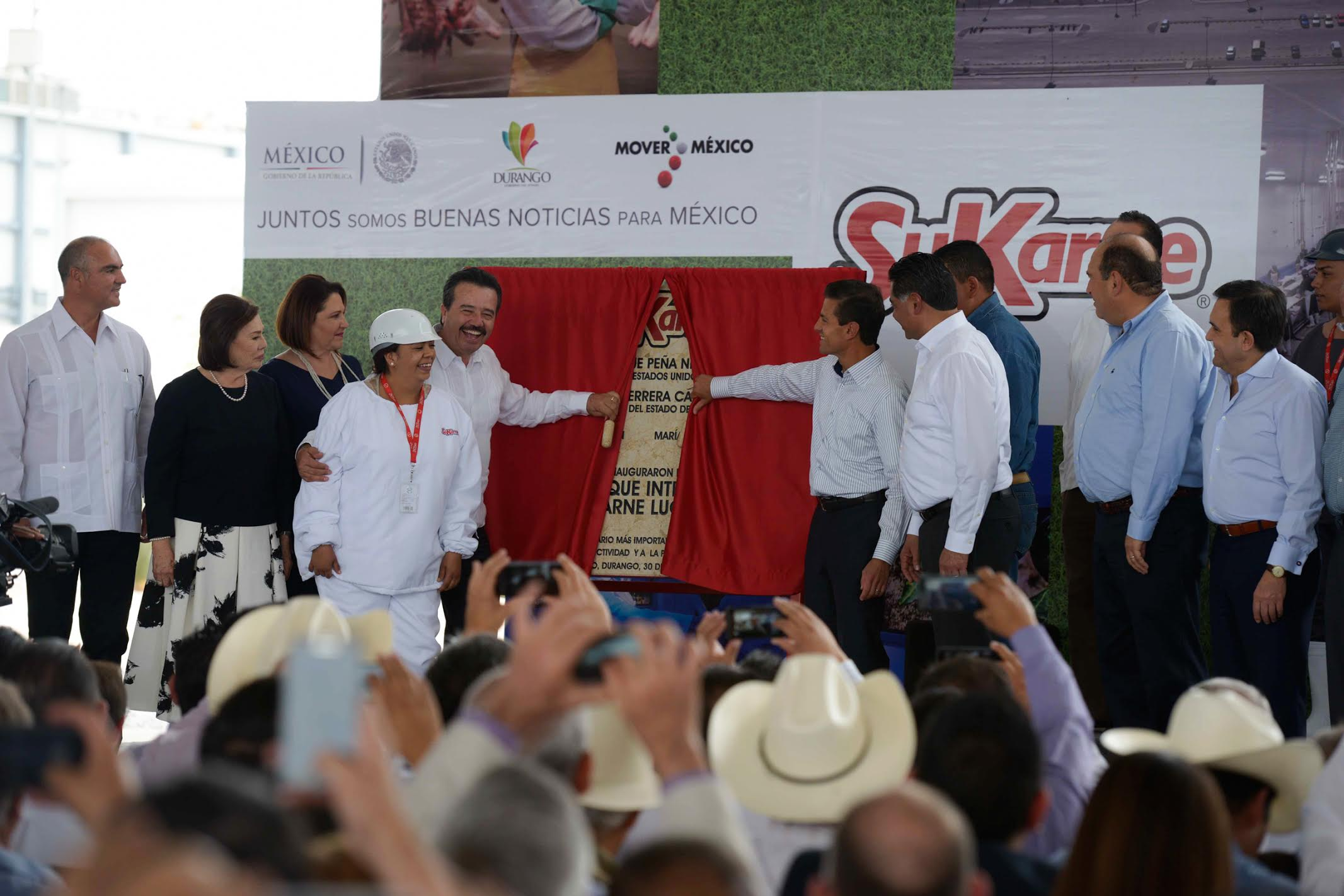 The president inaugurated the Integradora SuKarne Lucero Agropark, which will create 6,000 formal jobs directly in the coming months.