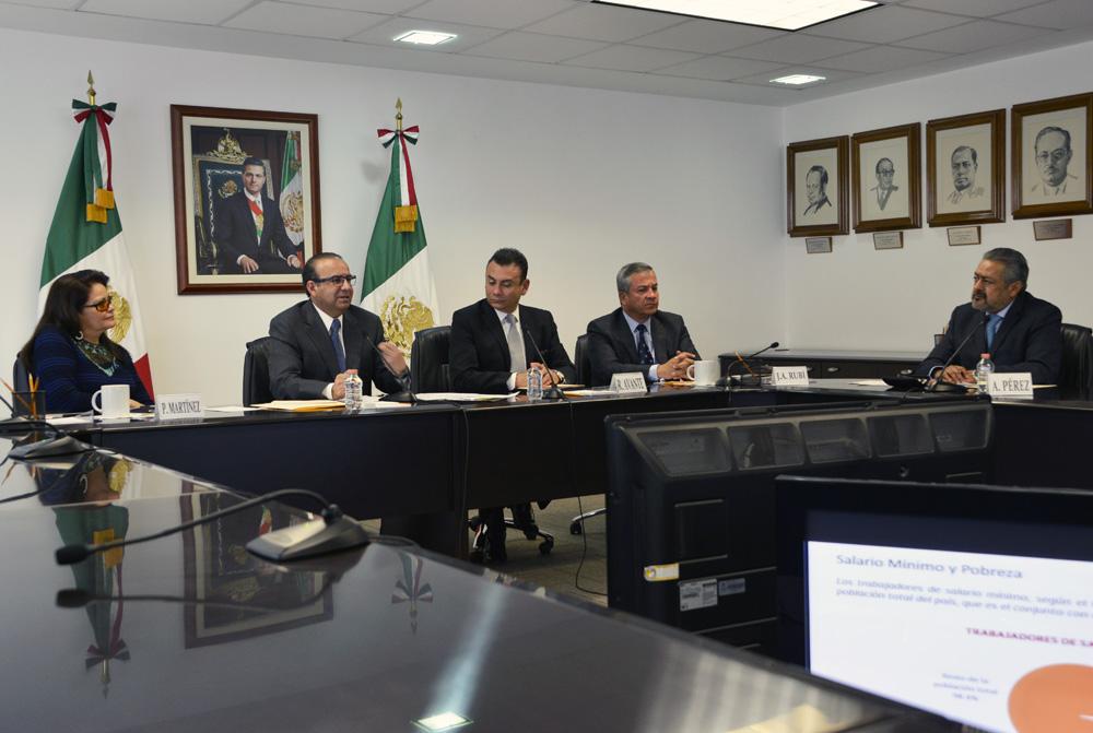 El diálogo social tripartita debe continuar siendo la base para las definiciones que se toman al interior de la CONASAMI: Secretario Alfonso Navarrete Prida.