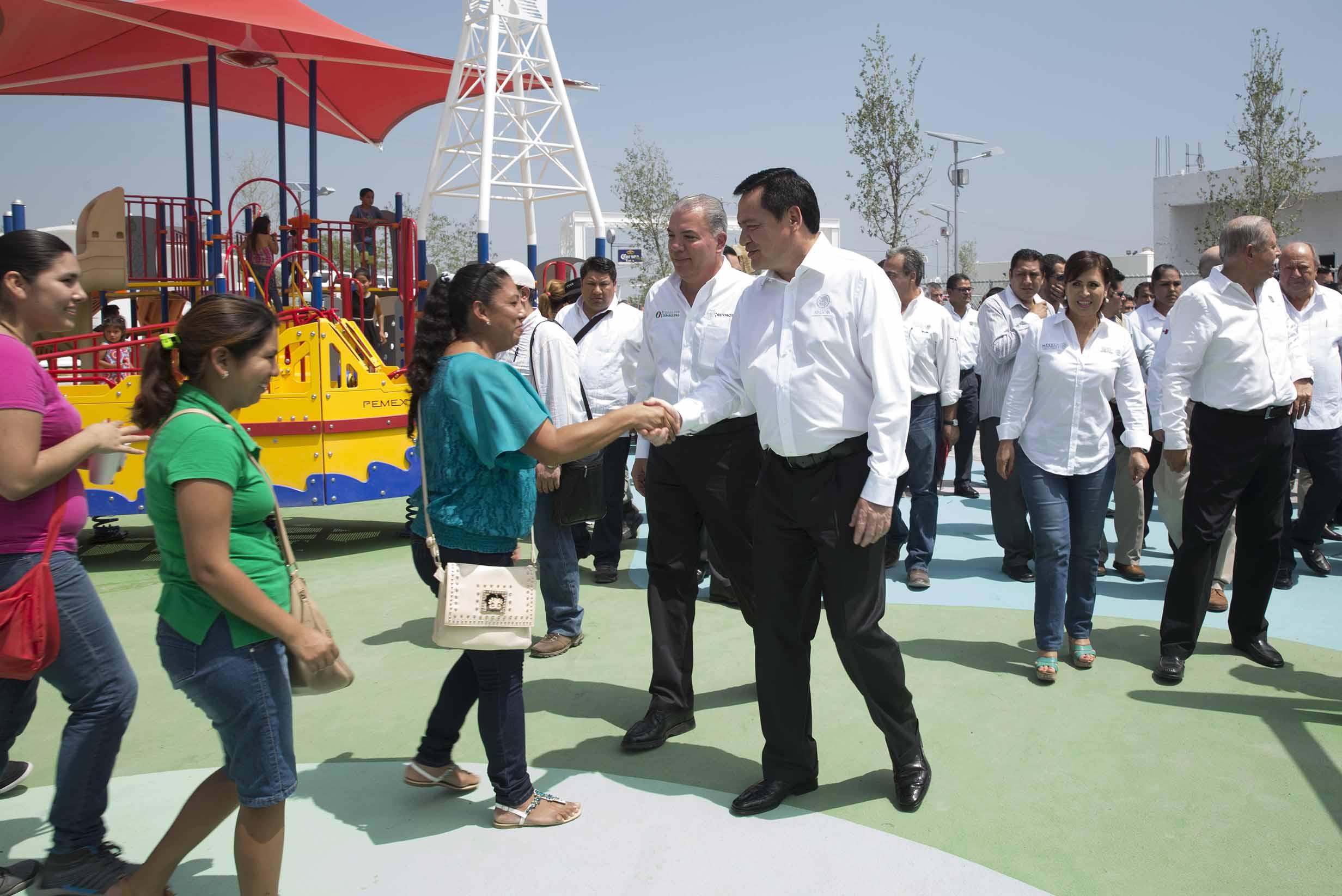 El Secretario de Gobernación, Miguel Ángel Osorio Chong, durante la inauguración del Parque de Barrio Lomas del Pedregal en Reynosa, Tamaulipas