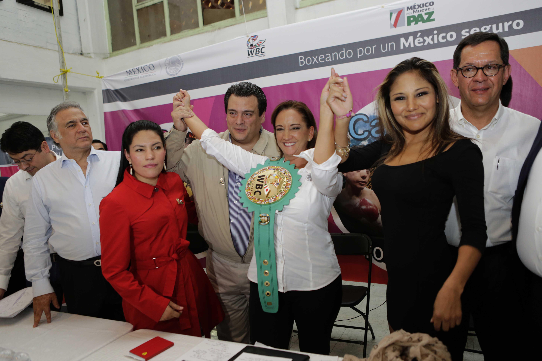 La Secretaria de Turismo, Claudia Ruiz Massieu, en el lanzamiento del Programa de prevención Boxeando por un México Seguro.