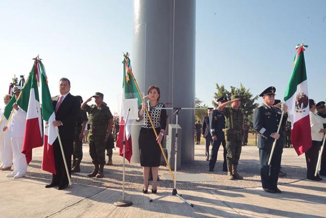 En representación del presidente  Peña Nieto, RRB encabeza la conmemoración del 193 aniversario de la creación de la enseña patria