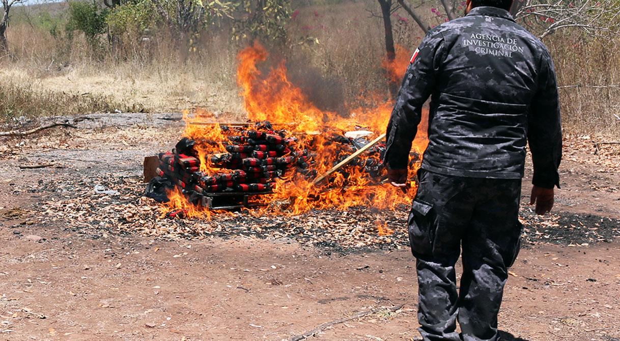 Incinera PGR más de 421 kilos de cocaína en Colima. Comunicado DPE/689/16