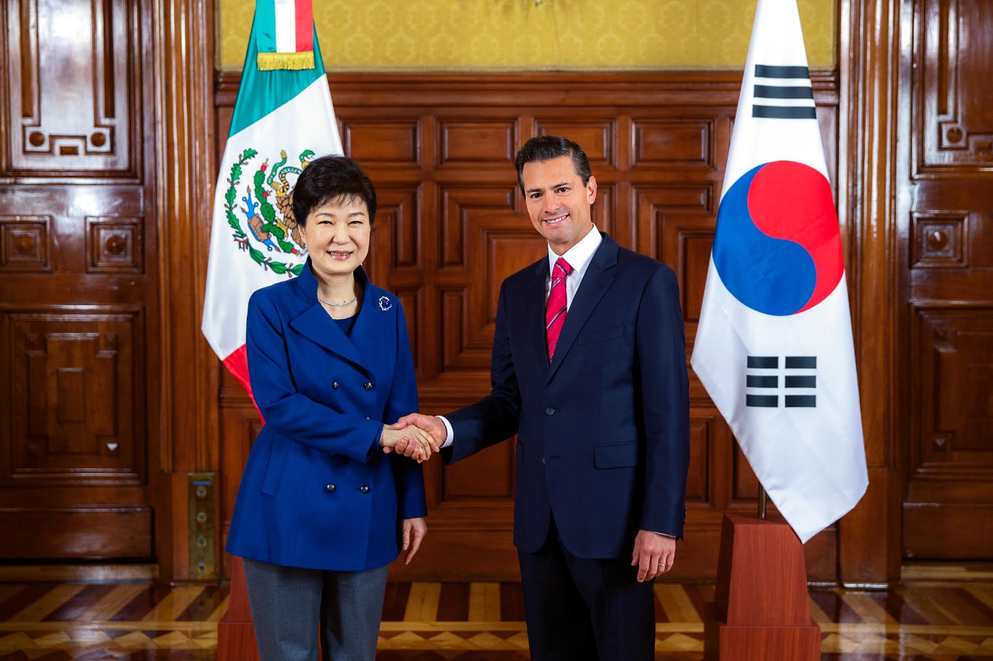 President Peña Nieto receives  President of Korea Park Geun-hye, currently on an official visit to Mexico.