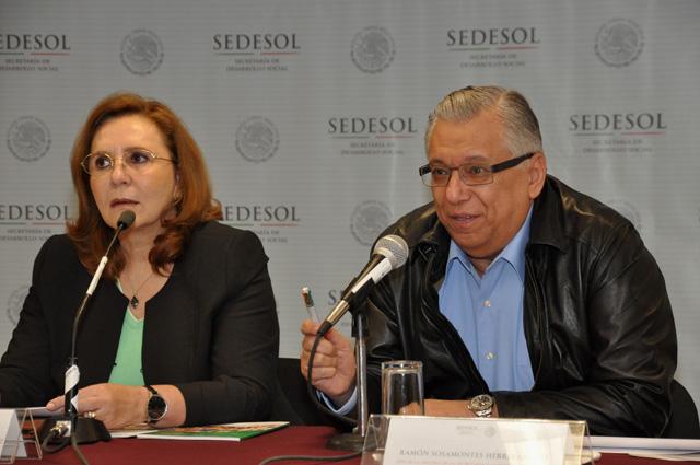 Presenta la Abogada General y Comisionada para Transparencia de la Sedesol  los documentos Guía de derechos humanos, Guía de programas sociales y Guía Anticorrupción.