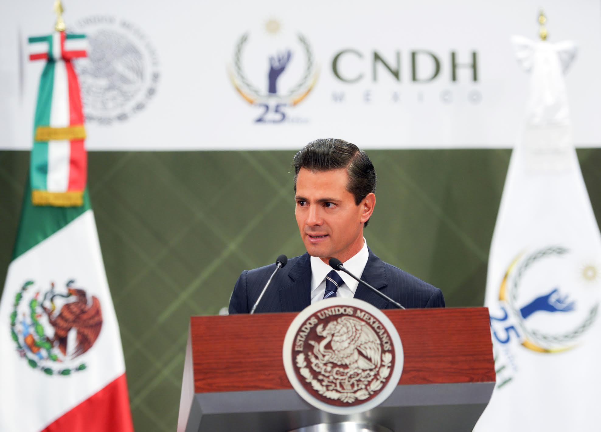 El Gobierno de la República ha sido y seguirá siendo absolutamente respetuoso de la importante función social de la CNDH: EPN