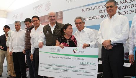 Entrega de apoyos en Michoacán.