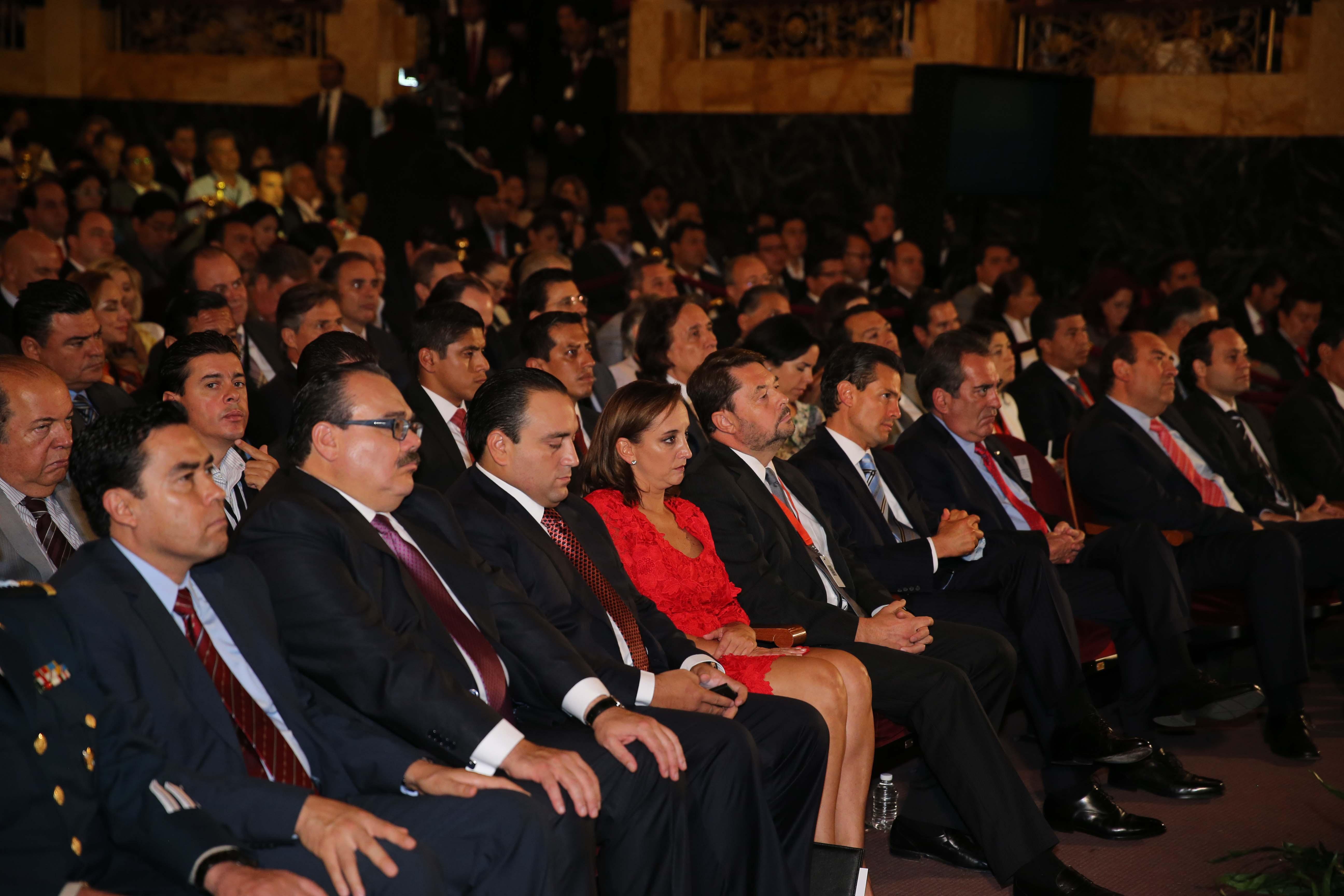 Claudia Ruiz Massieu presente en la ceremonia conmemorativa del Día Mundial del Turismo, de la cual México es sede.