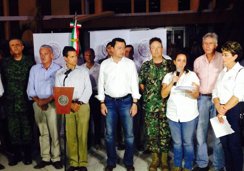 La Secretaria de Turismo, Claudia Ruiz Massieu, sostuvo una reunión de trabajo con los delegados las dependencias federales del Gobierno de la República, acreditados en Baja California Sur, representantes de las Fuerzas Armadas y autoridades locales.