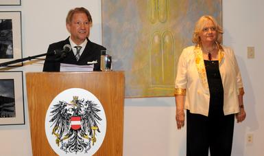 Reconoce gobierno de Austria a Andrés Roemer