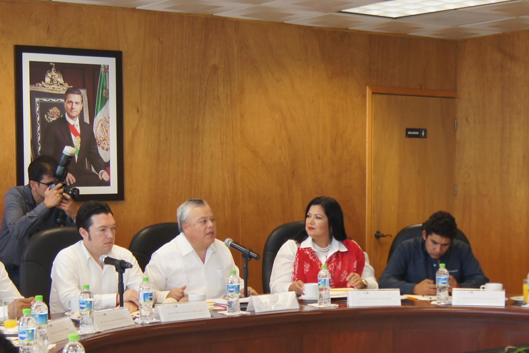 Necesario modernizar el marco legal de la actividad pesquera y acuícola nacional, coinciden legisladores y autoridades de CONAPESCA.
