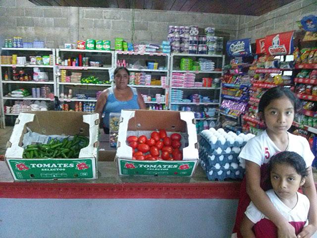Diconsa pone a la venta productos perecederos en sus 26 mil tiendas comunitarias y móviles