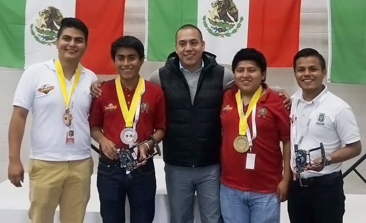 Estudiantes mexicanos ganan dos medallas de oro en Robogames 2016