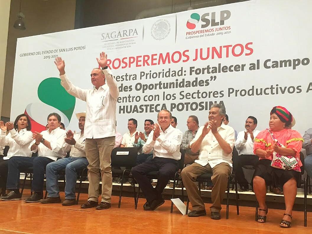 Invertir en el campo es generar paz social y bienestar en el país: José Calzada Rovirosa.
