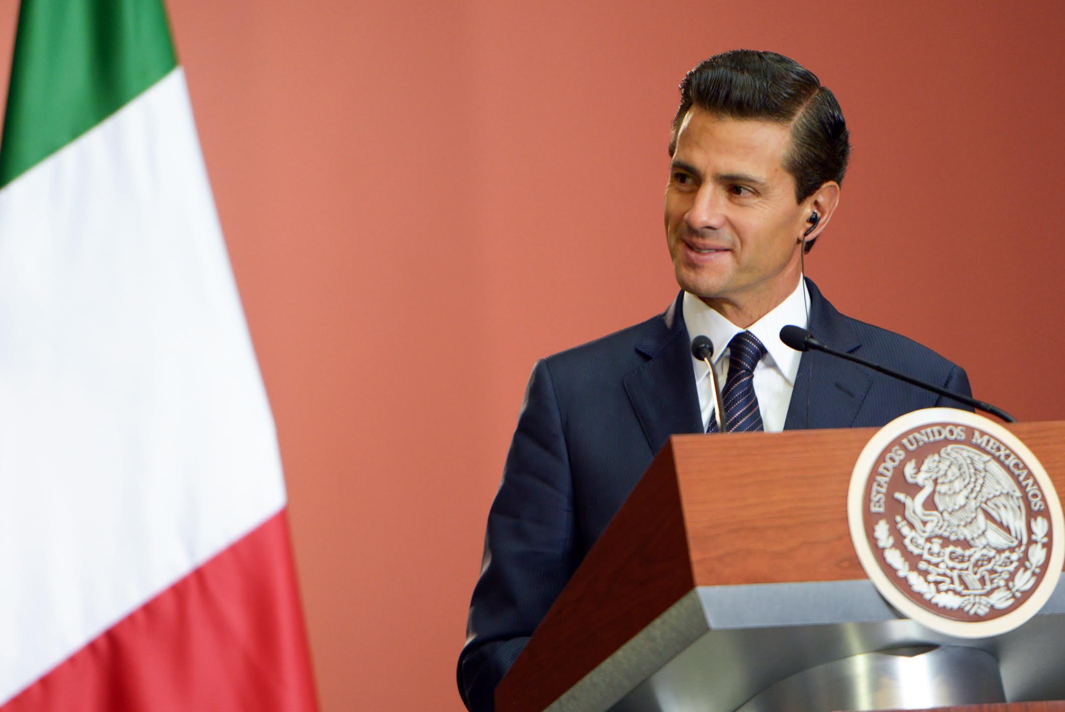 El Primer Mandatario anunció que a partir del próximo mes de junio se restablecerá el vuelo directo entre Italia y México, a través de la línea aérea Alitalia.