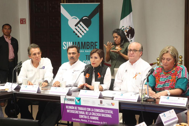 Encabeza Rosario Robles la reunión de la Comisión Intersecretarial Estatal de la Cruzada Nacional Contra el Hambre, junto con el gobernador Graco Ramírez.