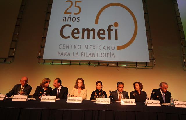 En un país con 53.3 millones de mexicanos en pobreza y 11.5 en pobreza extrema, no basta el trabajo del gobierno, por lo que cada vez se hace más indispensable la convocatoria ciudadana para intervenir en lo público y transformarlo: RRB
