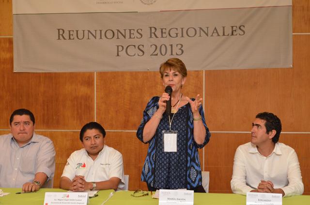 En presencia de María Amada Schmal y Peña, directora general adjunta de Coinversión Social,  se inauguran los trabajos de la Tercera Reunión Regional del Programa de Coinversión Social 2013 en Campeche.