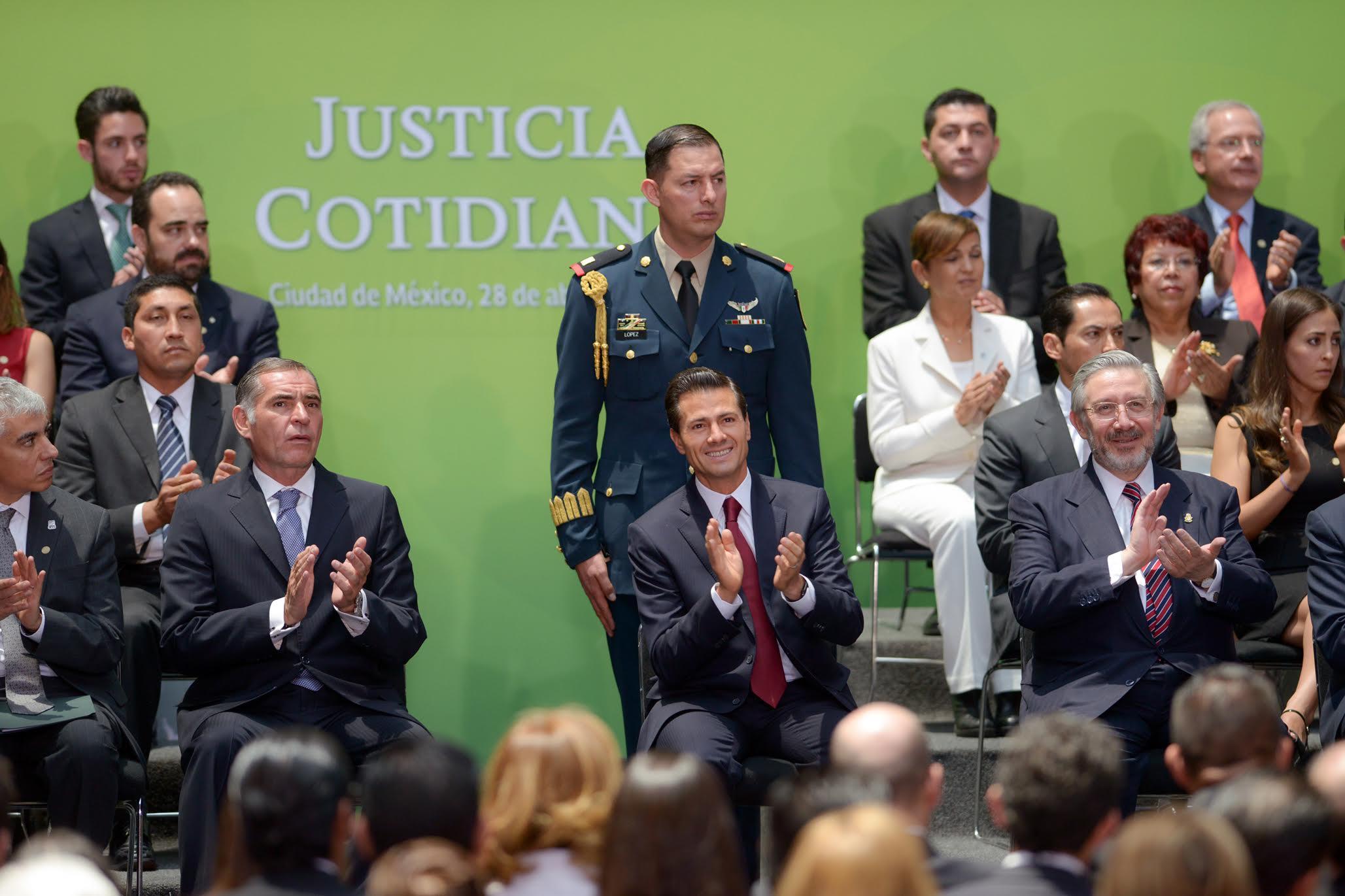 Los Diálogos por la Justicia dieron cauce a las aspiraciones y exigencias de los mexicanos; fueron convocados por el Gobierno de la República, el CIDE y el Instituto de Investigaciones Jurídicas de la UNAM.