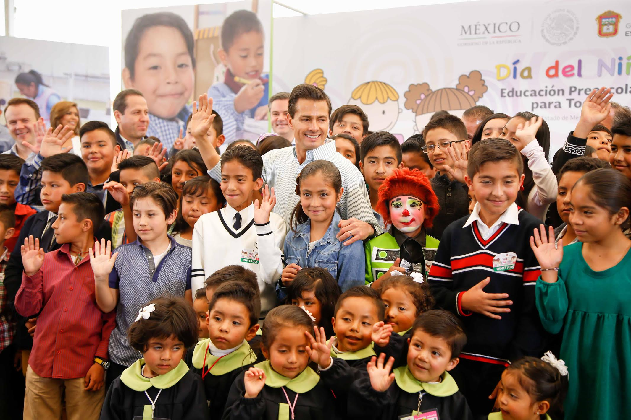 """The president congratulated, """"All the children in our country, the boys and girls of Mexico, ahead of the Children's Day celebration tomorrow. From here, we wish to congratulate them and wish them well."""
