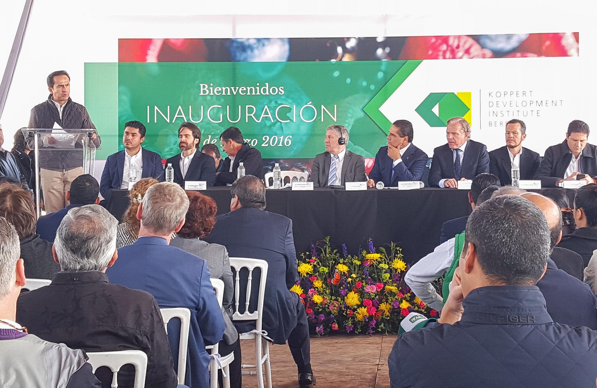 """La SAGARPA publicará """"Avisos de Cancelación"""" para seis Normas Oficiales Mexicanas (NOM) de requisitos mínimos para biológicos como vacunas, antígenos y reactivos, con el objetivo de modernizar el marco regulatorio."""