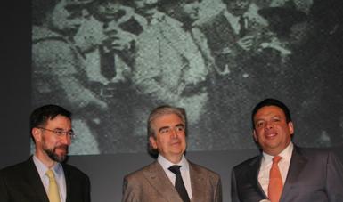 El presidente del Conaculta participó en la presentación del libro del investigador Ángel Gilberto Adame