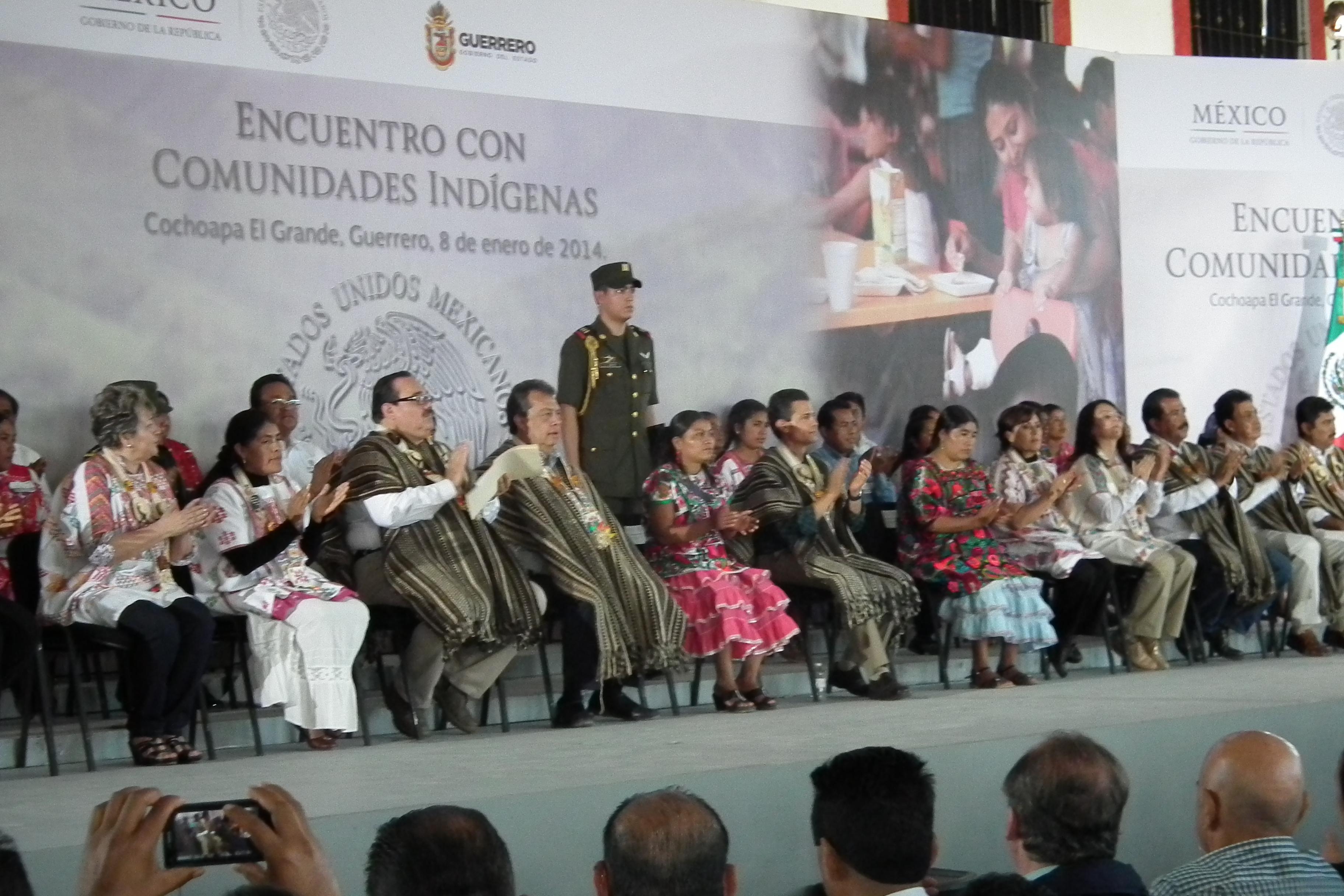 El Presidente Enrique Peña Nieto encabezó un encuentro con comunidades indígenas en el estado de Guerrero, acto al que asistió el titular de la Secretaría de Desarrollo Agrario, Territorial y Urbano (SEDATU), Jorge Carlos Ramírez Marín.