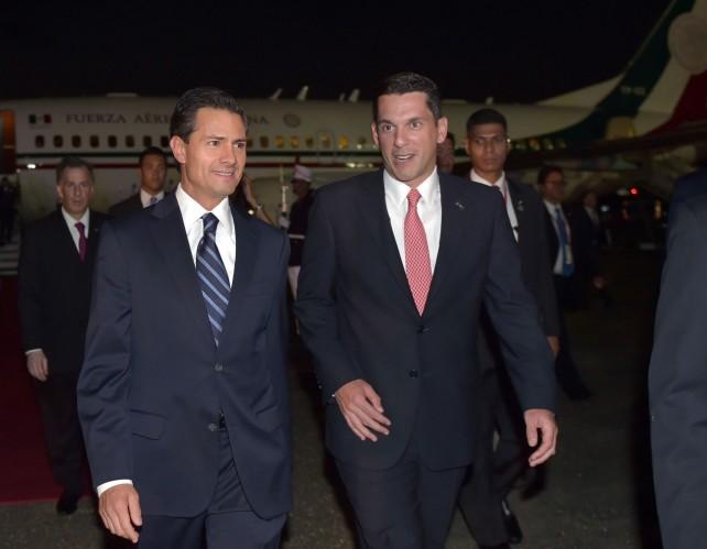 Arriba el Presidente Peña Nieto a Panama.