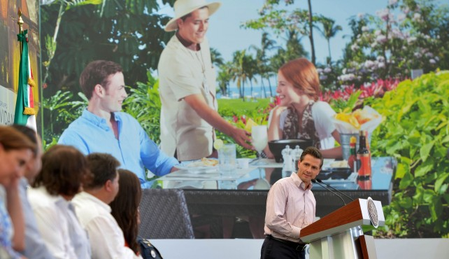 El Presidente Peña Nieto habla sobre las reformas en Panamá.