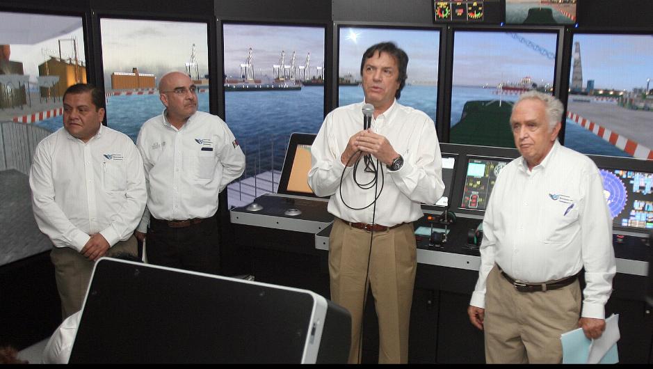 Guillermo Ruiz de Teresa, coordinador general de Puertos y Marina Mercante, destacó que con una base científica y esquemas de planeación, se logran adecuados sistemas de prevención