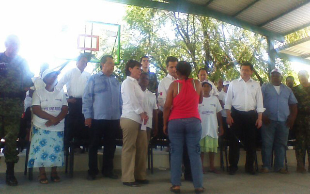 Agradece la titular de la Sedesol el apoyo de las mujeres por el trabajo que realizan en los 220 comedores comunitarios de la Cruzada Nacional Contra el Hambre en Guerrero