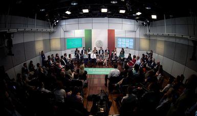 El Primer Mandatario compartió que la Política Digital del Gobierno de la República tiene cuatro vertientes.