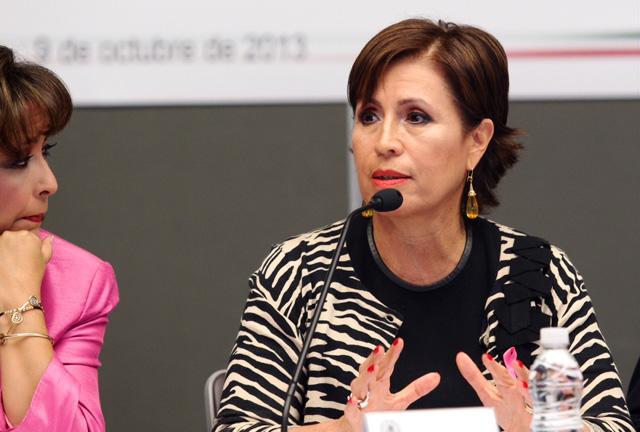 Comparece ante las Comisiones Unidas de Desarrollo Social, Desarrollo Regional y de Asuntos Indígenas en la Cámara de Senadores la secretaria de Desarrollo Social, Rosario Robles Berlanga.