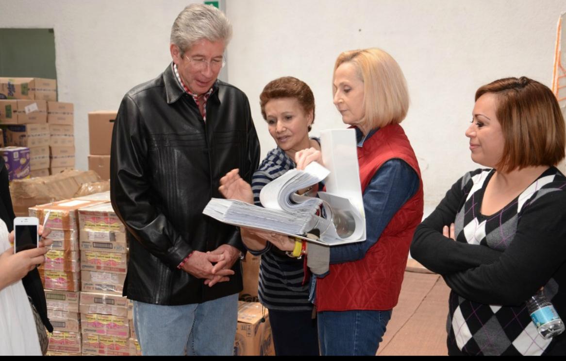 En coordinación con el DIF Nacional y el voluntariado de la Secretaría de Gobernación se realiza la distribución de la ayuda