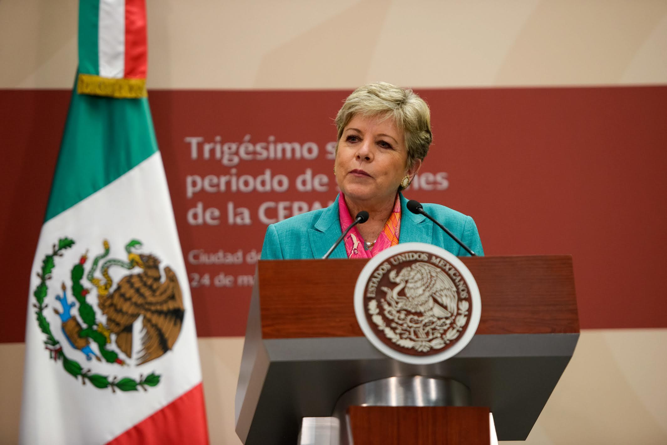 """""""En los próximos años, las tasas del crecimiento del PIB global serán menores que en los promedios de las décadas anteriores"""": Alicia Bárcena Ibarra, Secretaria Ejecutiva de la CEPAL."""