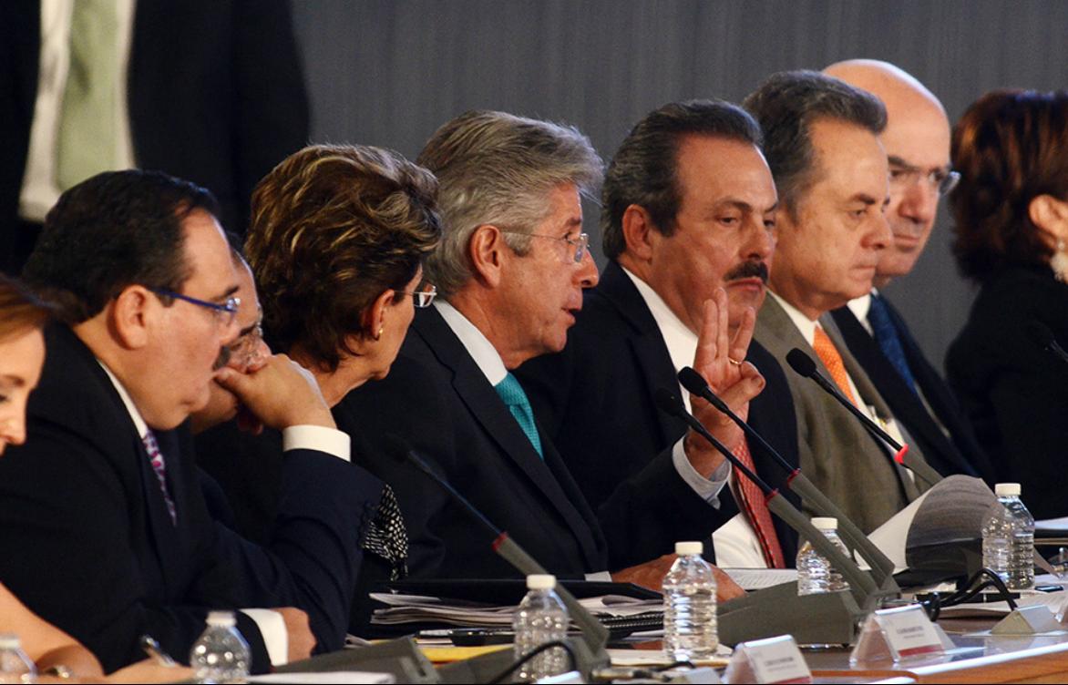 """Reunión de evaluación sobre las zonas de desastre por los huracanes """"Ingrid"""" y """"Manuel"""""""