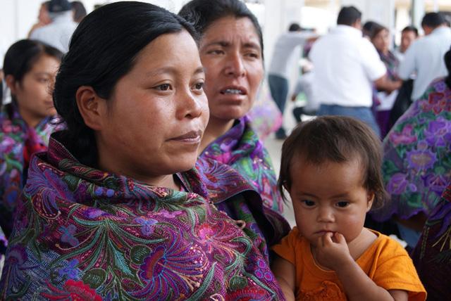 Más de un millón y medio de hogares en localidades eminentemente indígenas son beneficiarios de los programas Oportunidades o de Apoyo Alimentario (PAL)