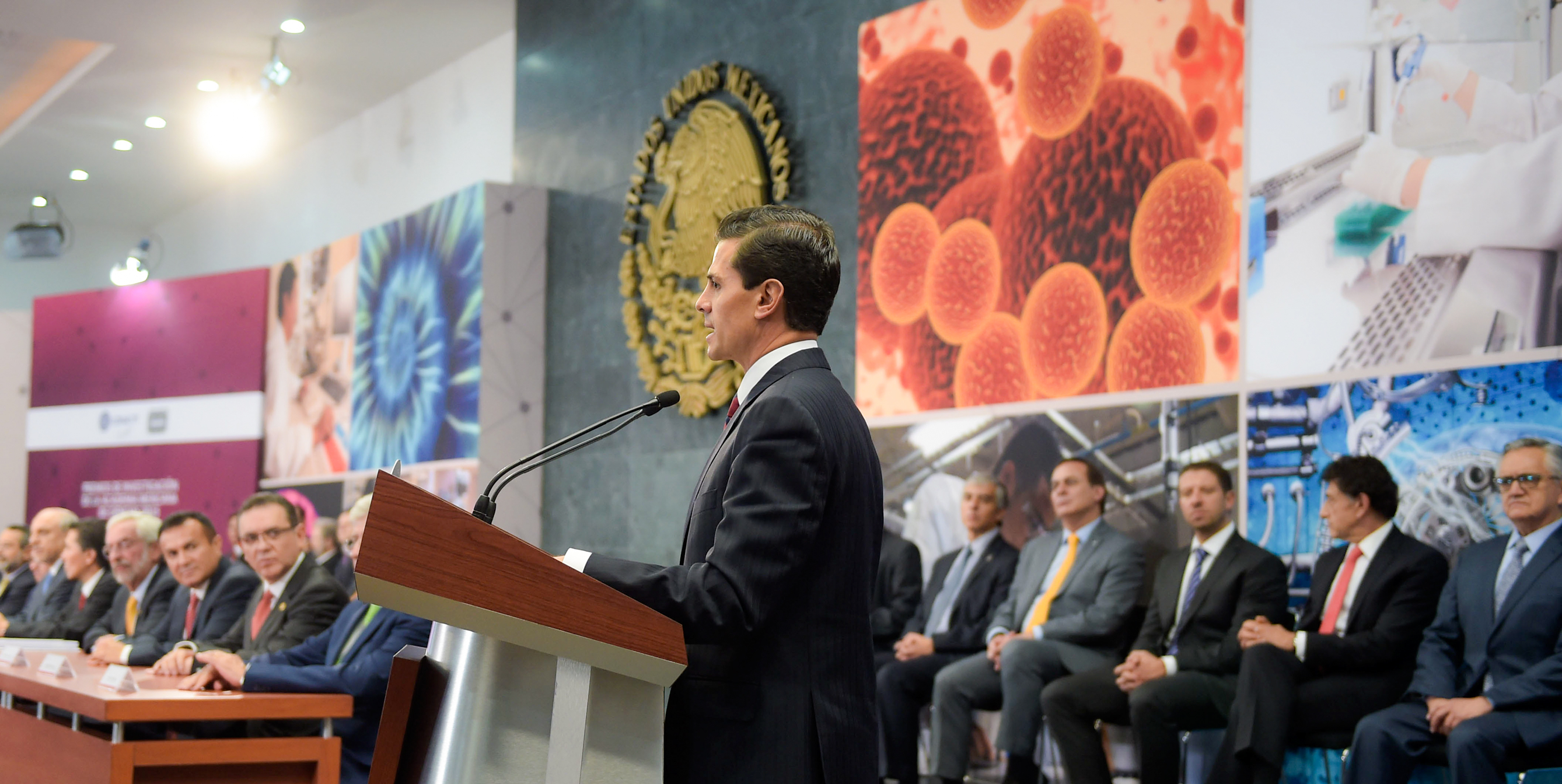 This year, public investment in science, technology and innovation has reached record levels: 92 billion pesos, equivalent to an increase of more than 37 percent over the amount invested in 2012, when this administration began.