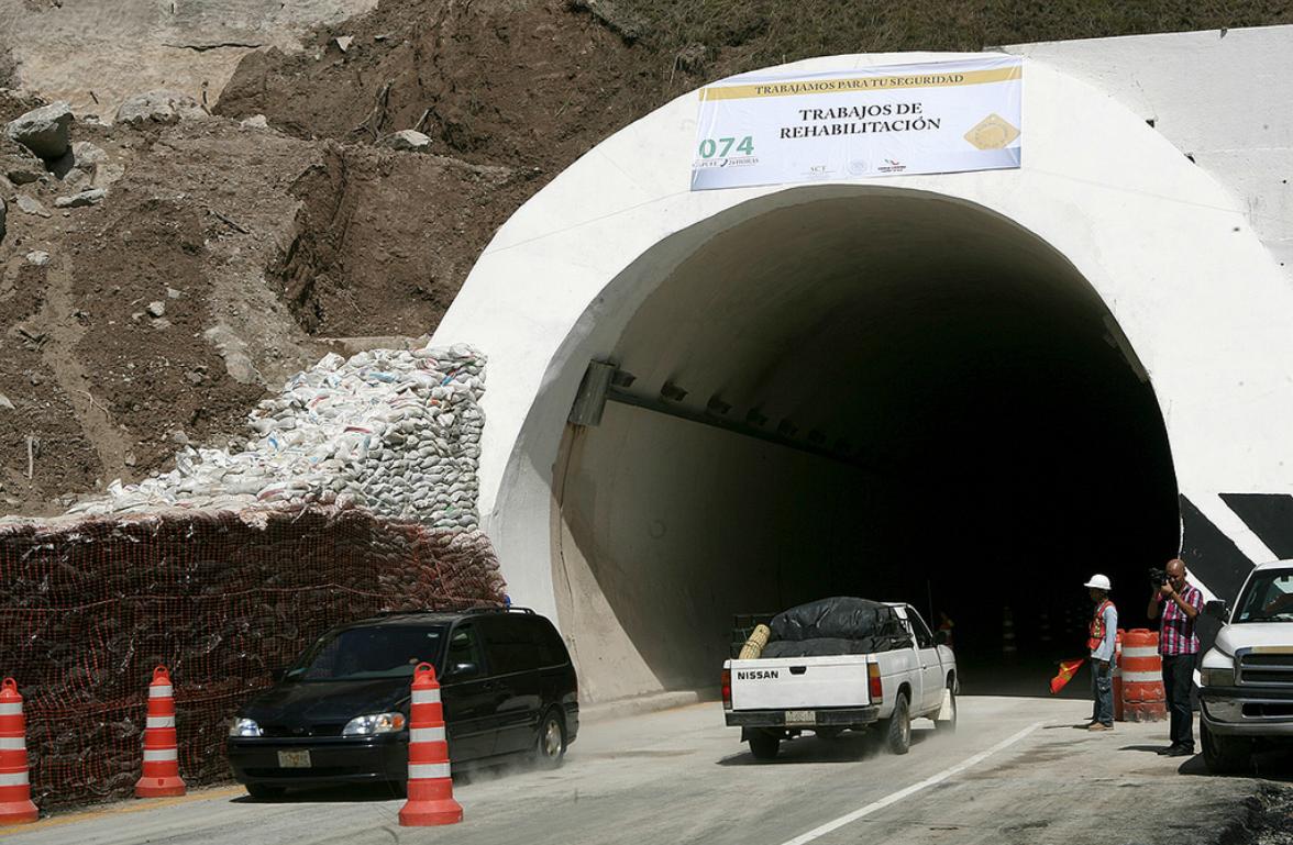 A partir de las 11:15 horas, 45 minutos antes de lo programado, se dio el paso tanto en el tramo Acapulco-Chilpancingo como Chilpancingo-Acapulco