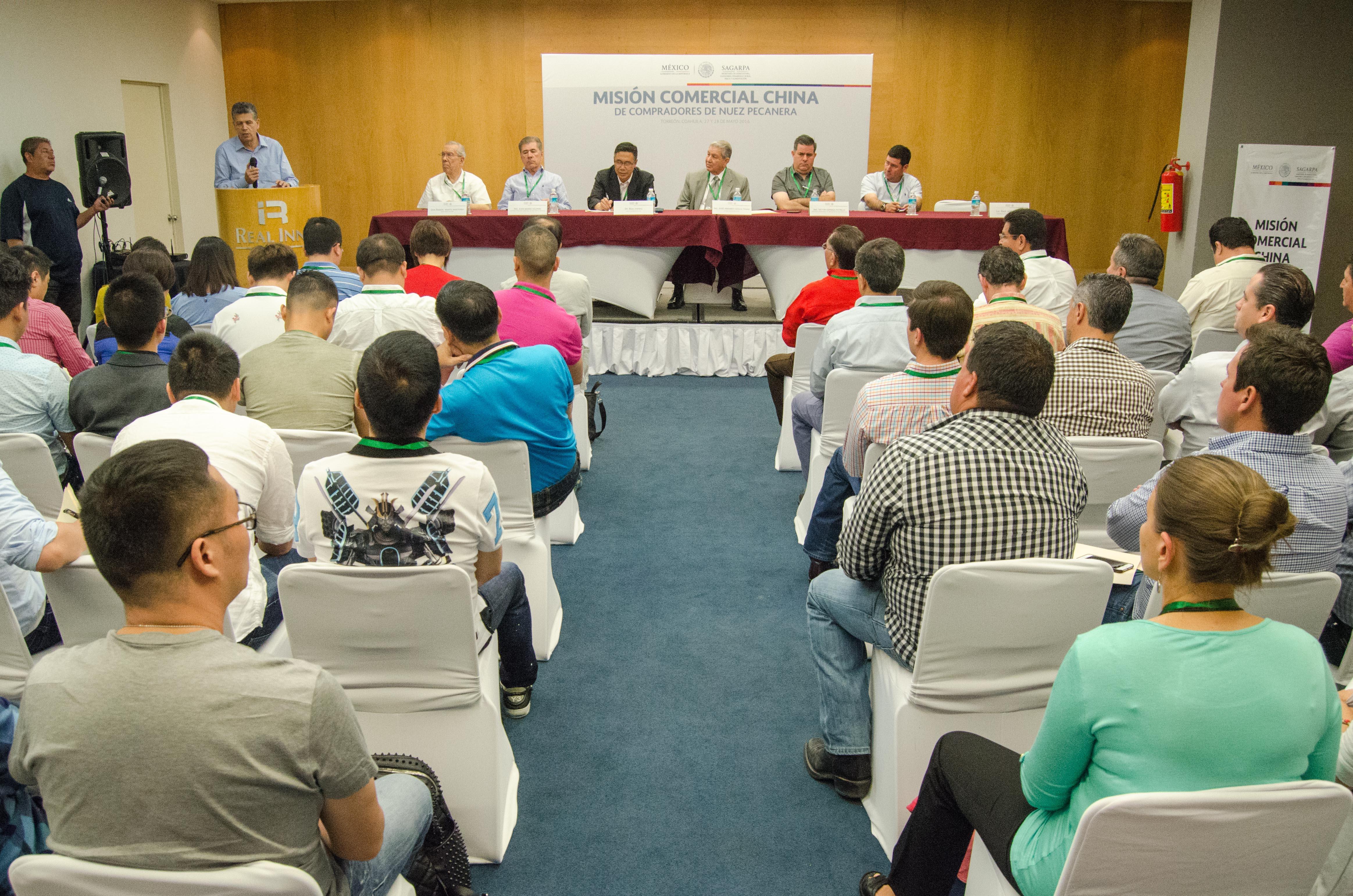 La SAGARPA coordinó la visita de una misión comercial de empresarios de la República Popular de China, interesados en adquirir nuez pecanera de México directamente de los productores de la Región Lagunera.