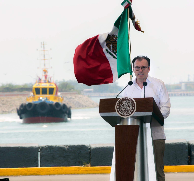 El Banco Mundial que ha sido el principal asesor y consejero en el proceso de conocer las experiencias de otras naciones y proponer a México un camino para desarrollar con éxito las Zonas Económicas Especiales.