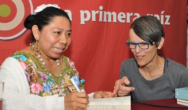 Con la lectura de poemas en el Palacio de Bellas Artes, la escritora mostró la sonoridad del idioma