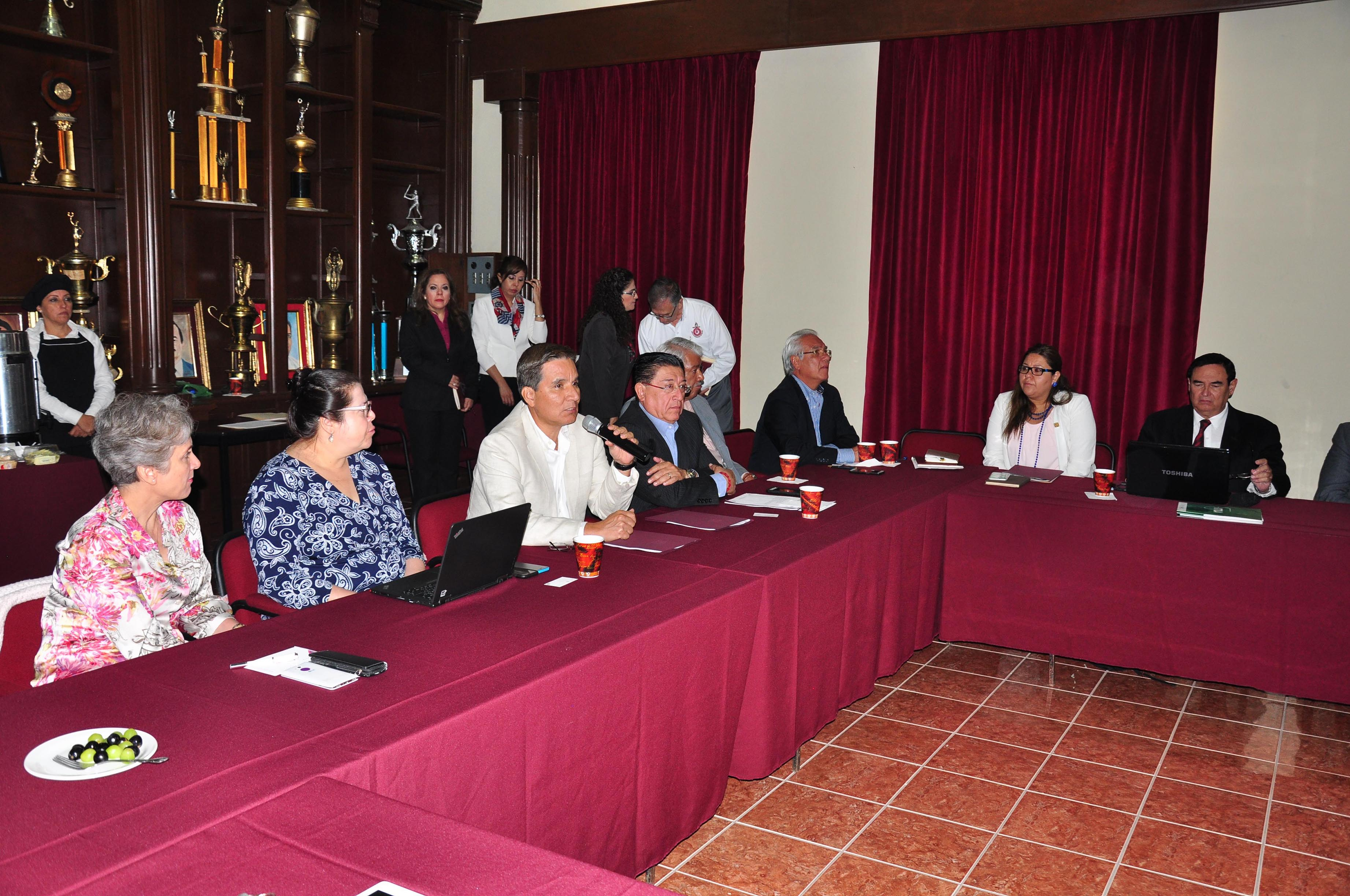 La vinculación del TecNM con el sector empresarial sólida y productiva, basada en la confianza mutua para fomentar un México más competitivo.