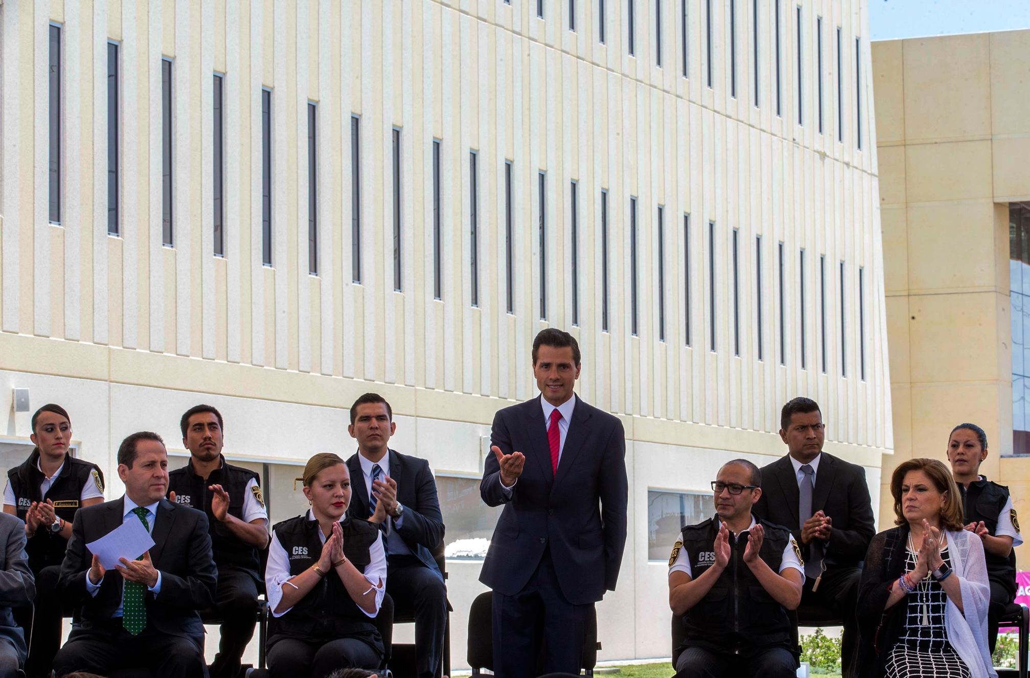 """""""The government is ready to provide support and institutional collaboration where required to ensure an exemplary civic-democratic day."""" EPN"""