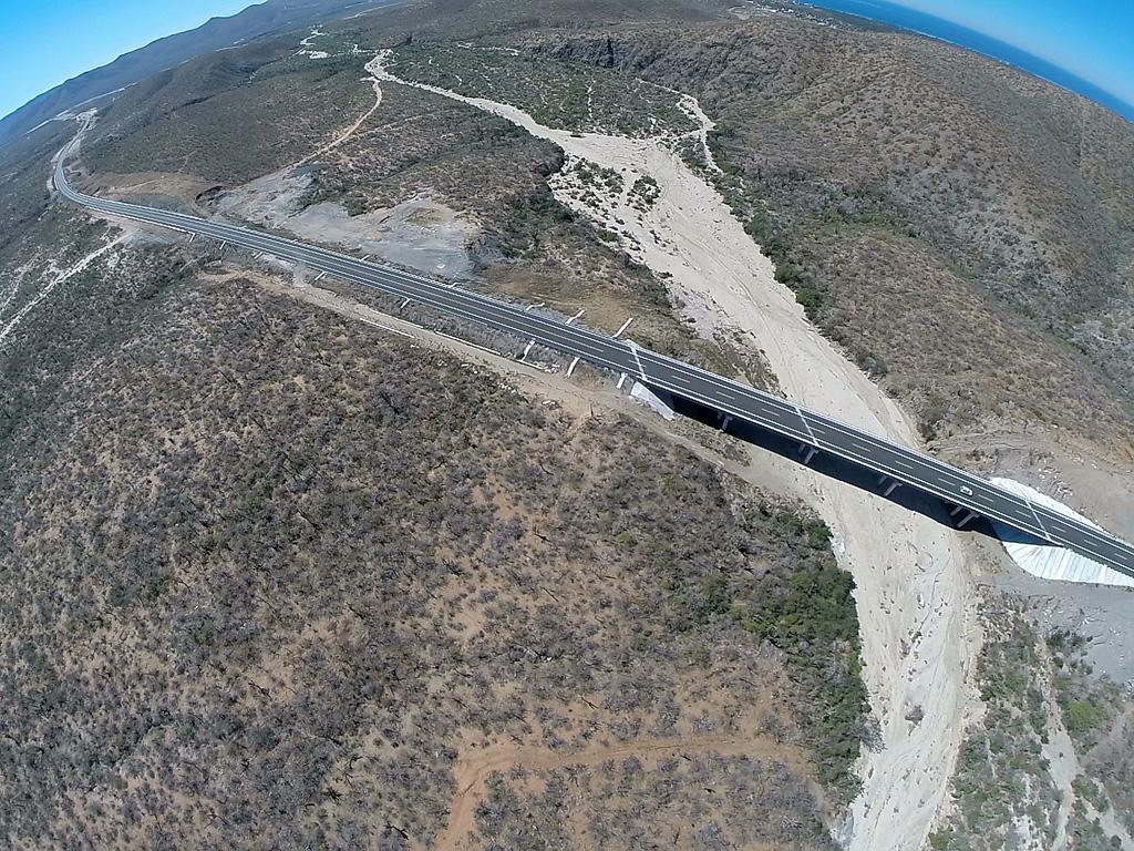 Aumenta SCT conectividad terrestre con obras en Baja California Sur
