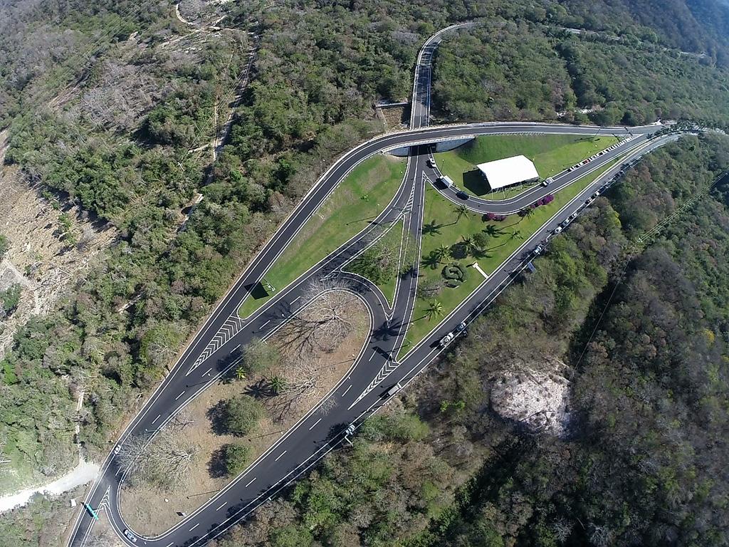 Incentiva SCT turismo en Oaxaca con tramo carretero Aeropuerto Huatulco-Entronque Tangolunda