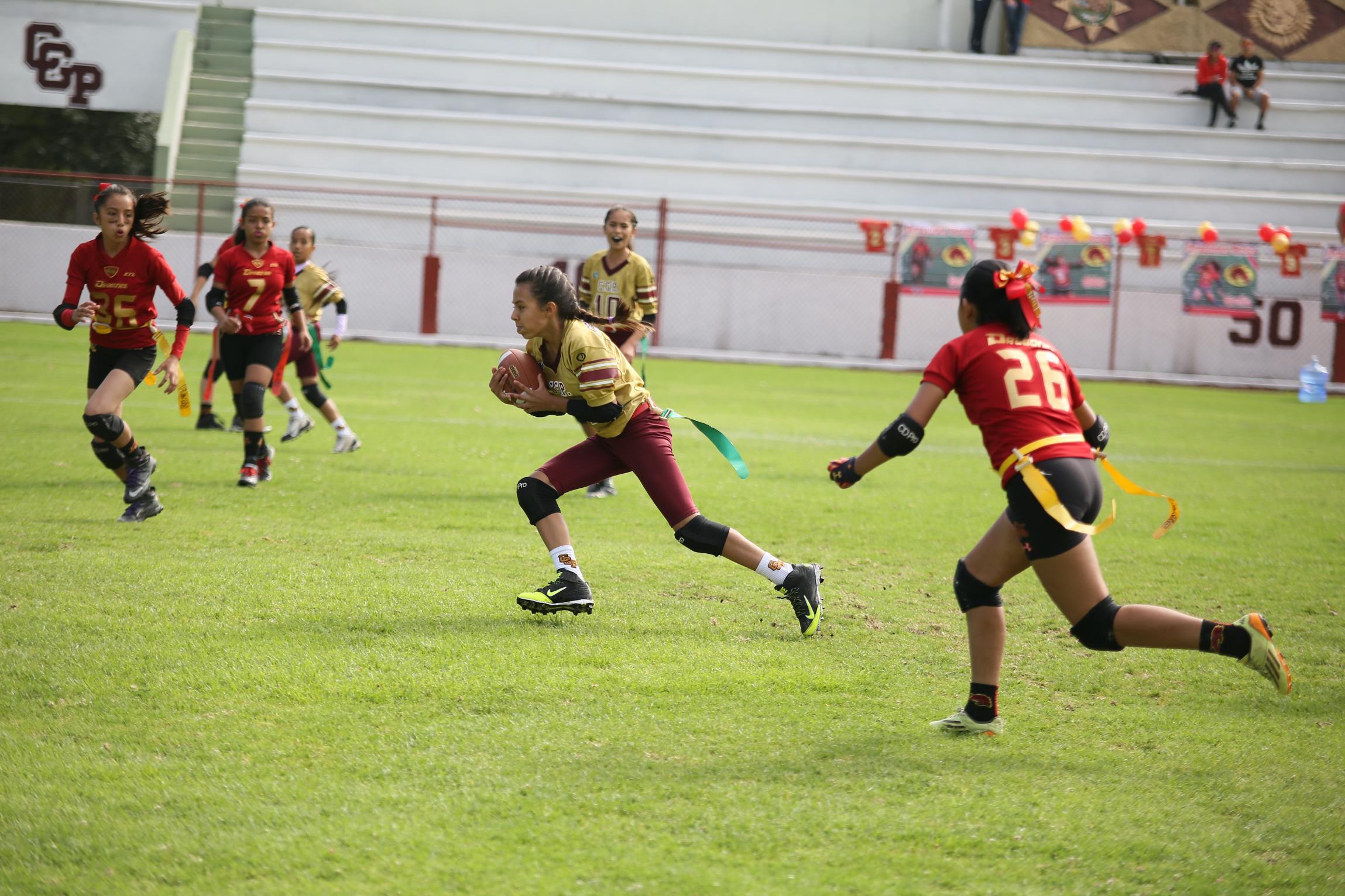 La categoría Femenil Flag Puppies, conformada por niñas estudiantes de nivel básico de edades entre 9 y 12 años, lograron su segundo título al ganar el campeonato de la Temporada Primavera.