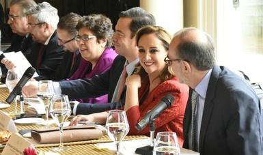 La Canciller Claudia Ruiz Massieu, posa junto al lider de la Cámara de Representantes de Estados Unidos, Paul Ryan, durante gira de trabajo por Washington.